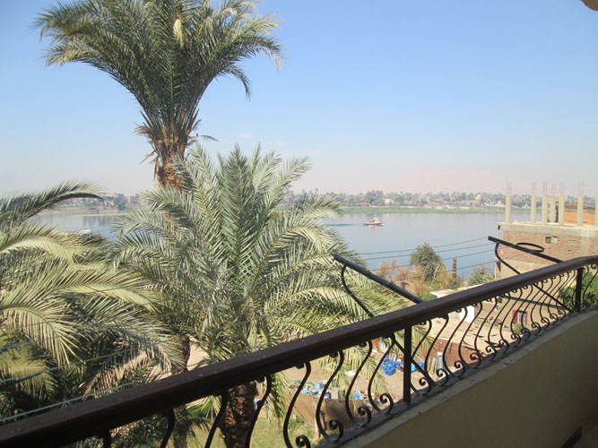 EB2008S Wonderful views from this 2 bedroom apartment in Awamia