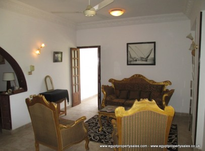 WB0010S Spacious first floor 3 bedroom apartment Gezira