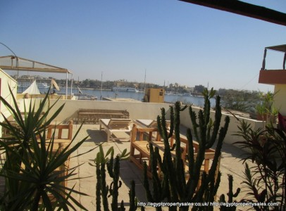 """WB01876R Newly finished apartment """"Howard Carter"""" in a quiet side street close to the River Nile."""