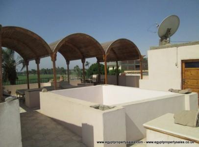 WB01R Three bedrooms apartment Memnon villa for rent in Luxor
