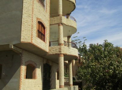 WB6222R First floor 2 bedrooms apartment in Gezira, west bank of Luxor city