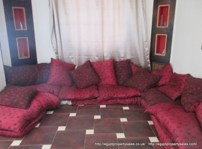 EB0455R Spacious 2 bedroom 4th floor apartment for rent in Awamia Luxor.