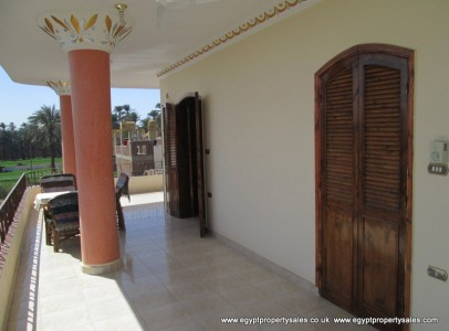 WB0719R Two bedrooms apartment for rent on the first floor in Luxor