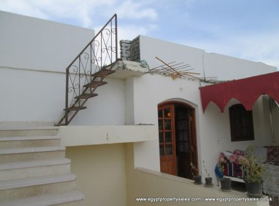 WB490S Beautifully designed 2 storeys villa with 2 gardens