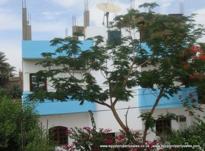 WB0232S Two storey 4 bedroom villa with garden in Kom