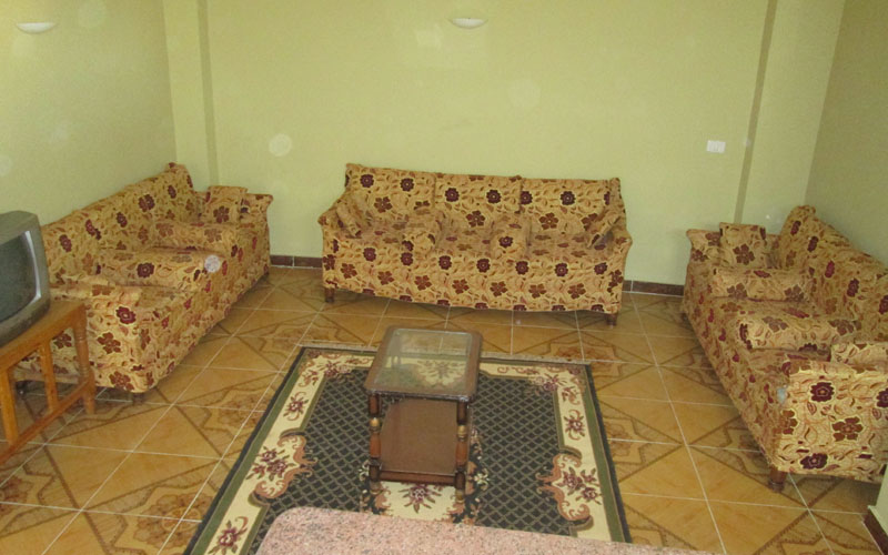 WB1817R first floor tow bedrooms apartment Located in west bank Luxor close to El Jazira Garden Hotel