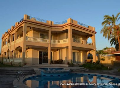 EB1806R Luxurious Nile front villa with swimming pool