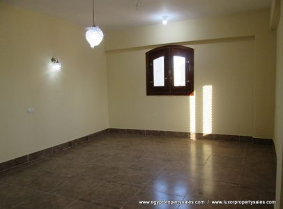 WB1852R Unfurnished two bedrooms flat with nice views for rent in Luxor