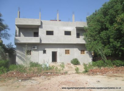 WB1721S Partially finished apartment building for sale in Ramla West Bank