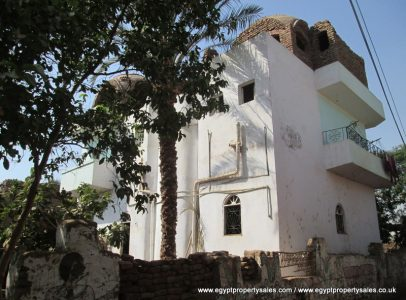 WB0123S Three storey apartment building for sale in Djorf Luxor