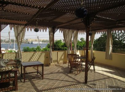 WB516R First floor 2 bedroom apartment directly on the Nile in West bank Luxor