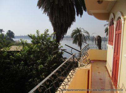 SOLD!! EB0101S villa in stunning location gazeira