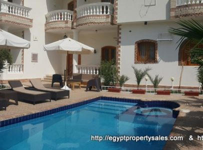 WB1825R The Concorde Apartments for rent with shared swimming pool in Luxor