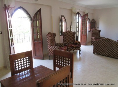 EB0079R Spacious first floor 2 bedroom apartment in with shared garden in Awamia Luxor