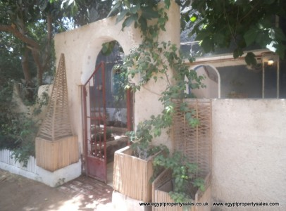 WB0672R Spacious 3 bedroom second floor apartment in Gezira