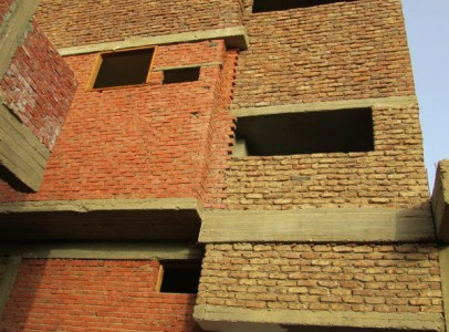 WB2010S Four storey commercial property in Rawageh