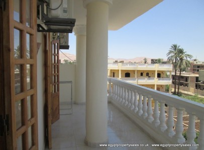 WB2520S *Further reduction* on this charming 2 bedroom APT on 3rd floor in Ramla