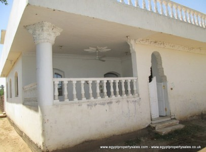 WB00107S Unfurnished two storey villa with garden and roof terrace in Djorf