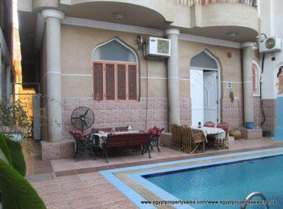 EB2323R Luxury 2nd floor apartment with heated pool Movenpick road Luxor