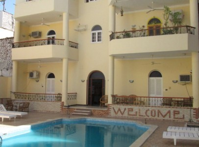 WB0135R Two bedrooms flats with swimming pool for rent booking in Luxor