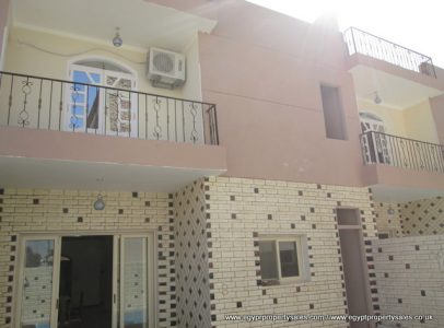 WB496S For Sale at 250,000 US Dollars this palatial 3 bedroom villa with swimming pool Ramla Luxor