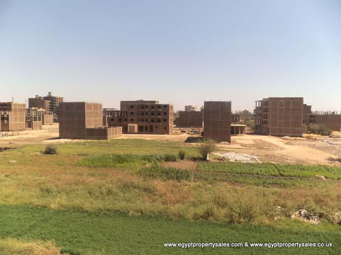 EB0204R First floor 2 bedroom apartment central Luxor near corniche