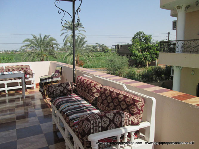 WB3203R Four bedroom domed house with private car parking in Djorf Luxor