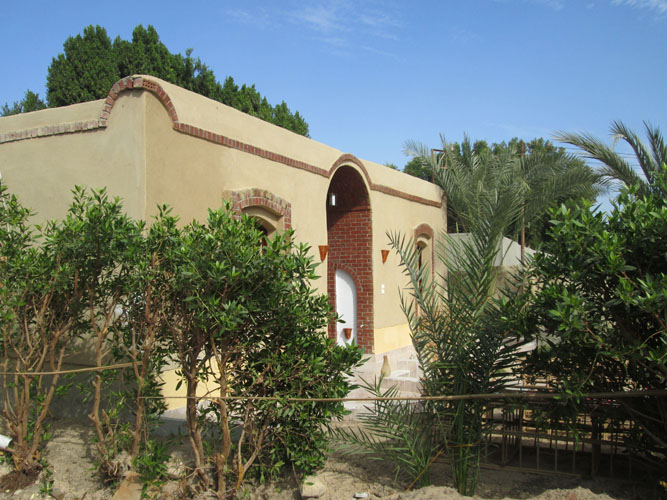 WB1945R A wonderful Nubian style bungalow house for rent in Ramla