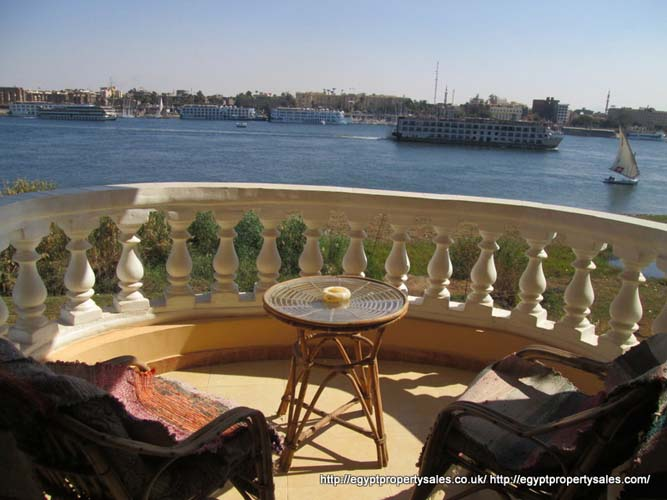 WB19R Second floor one bedroom apartment Nile front Ramla