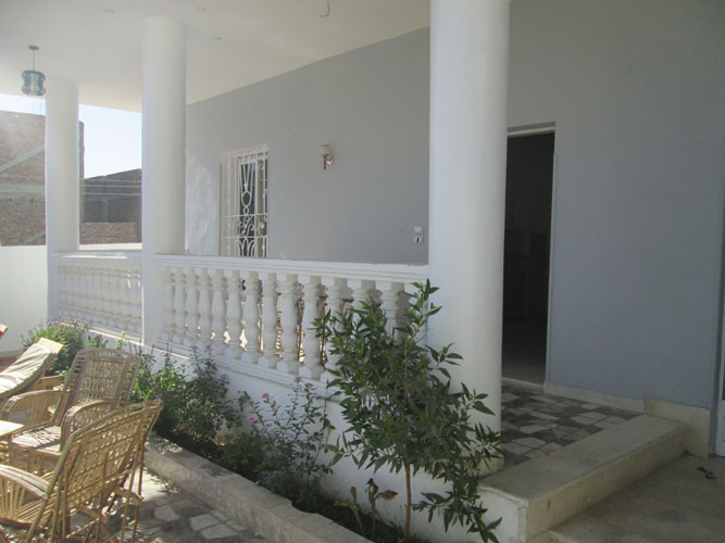 WB1936R Apartment building includes a swimming pool in Luxor for rent with Nile views