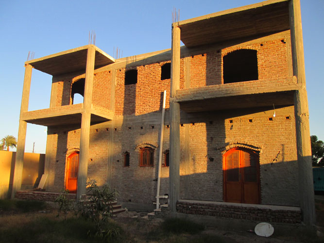 WB1853S Two storey partial finished villa with Moroccan design and swimming pool in Luxor city