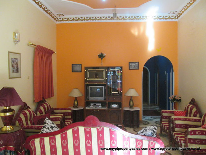 WB467R Ground floor 3 bedroom apartment for rent in Ramla Luxor