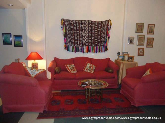 EB1805R Spacious cozy flat close of major hotels Sonesta & Sheraton