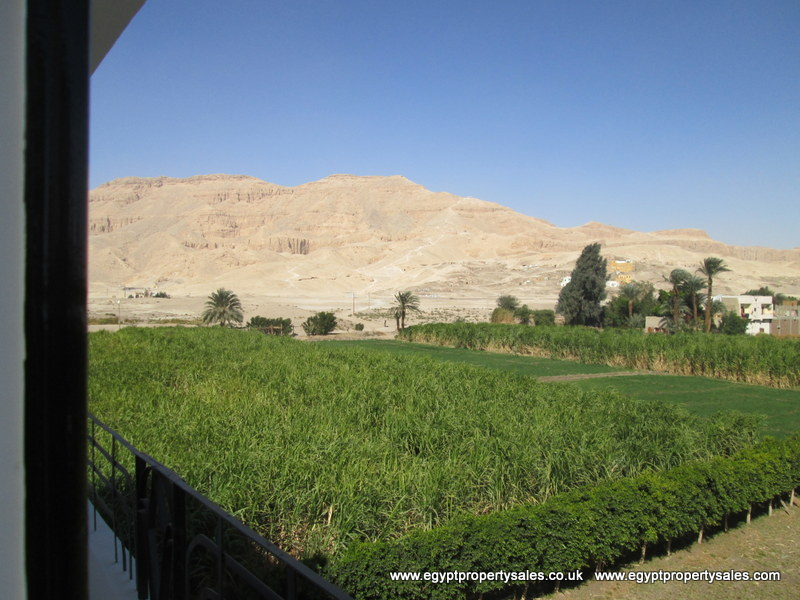 WB217R First floor 3 bedroom Apartment with amazing views of historic sites Luxor city