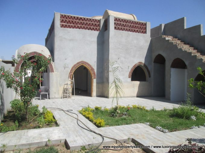 WB2120S Unfurnished villa for sale with Dome design in Luxor city