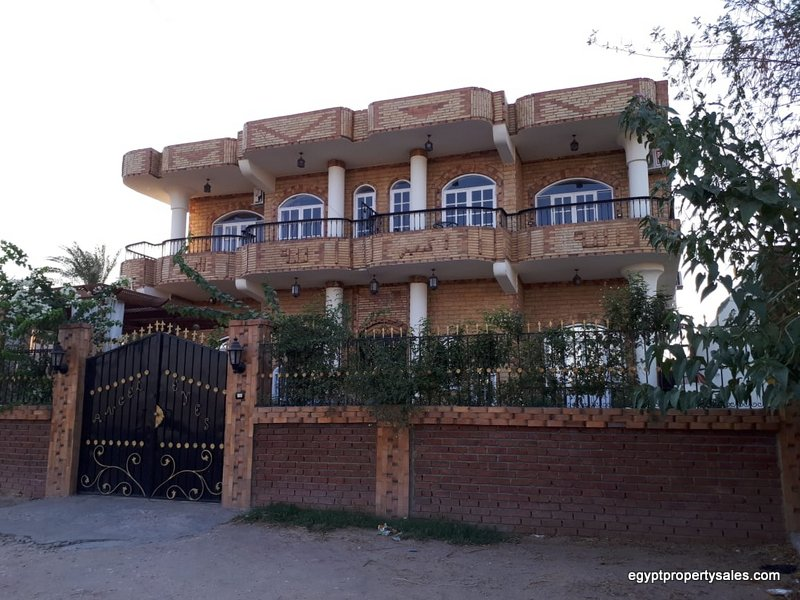 WB2126S apartments furnished for Rent and sale in Luxor Ramla
